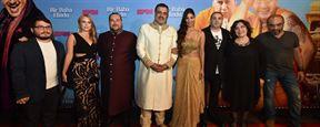 Bir Baba Hindu'dan Renkli Gala!