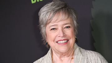 "Clint Eastwood Filmi ""The Ballad of Richard Jewell""a Kathy Bates Katıldı"