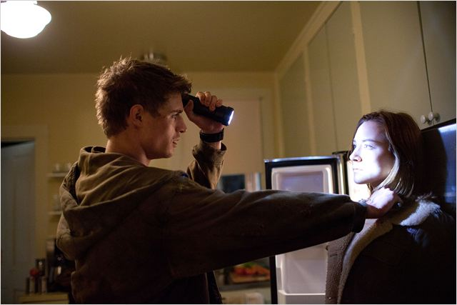 Göçebe : Fotograf Max Irons, Saoirse Ronan